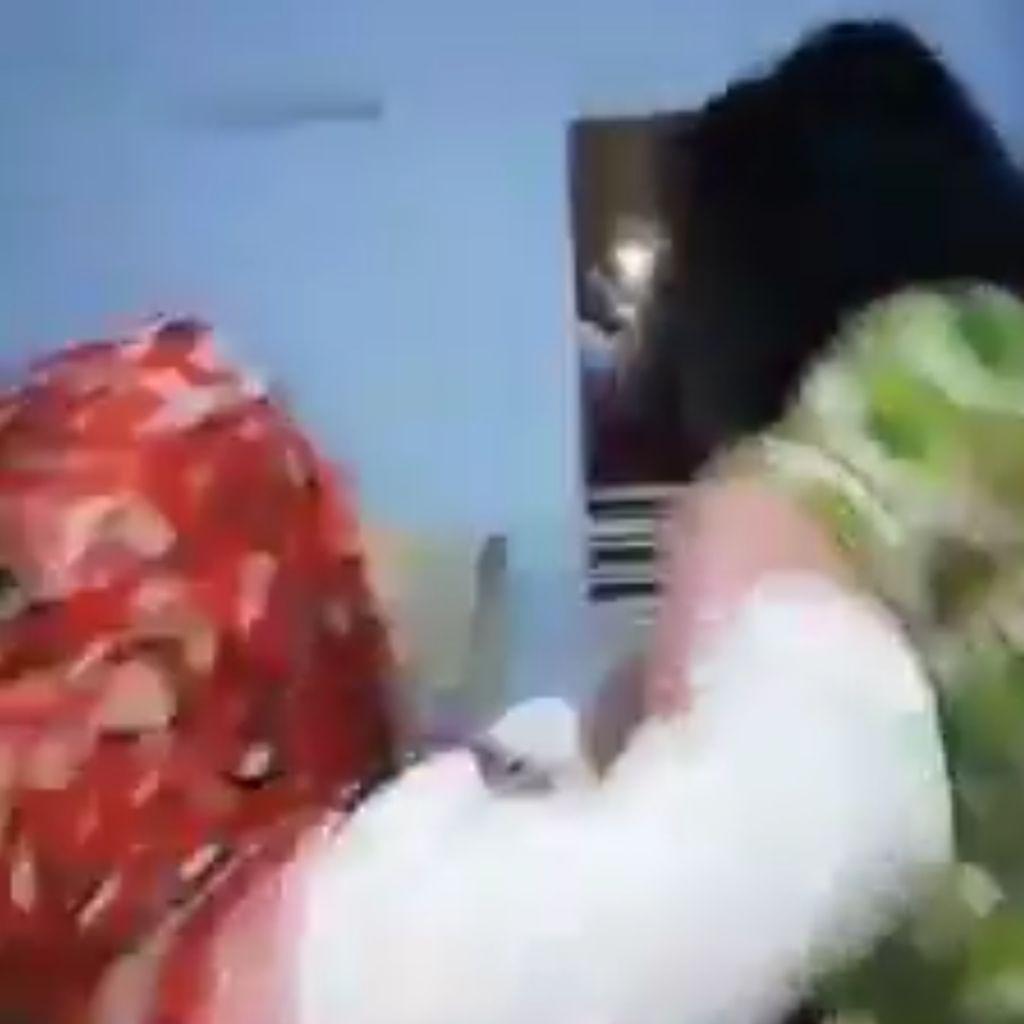 Video: Kakak-Adik Aniaya Terduga Pelakor