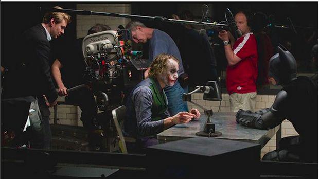 Why So Serious? 'The Dark Knight' adalah Sisi Istimewa Joker