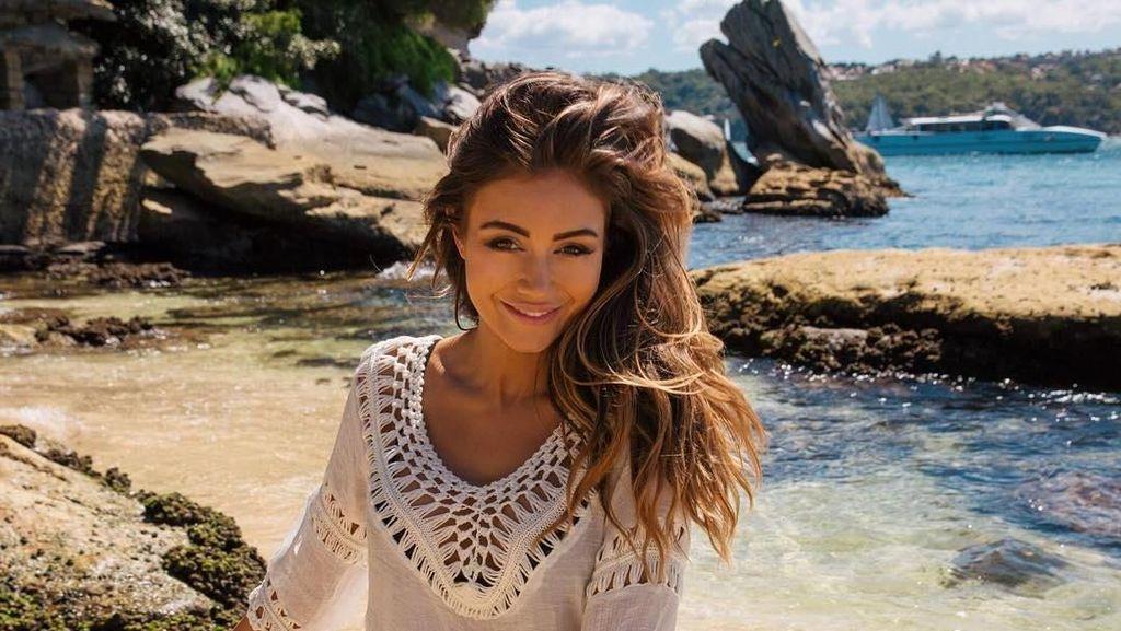 Foto: Travelingnya Pengacara Cantik yang Alih Profesi Jadi Model