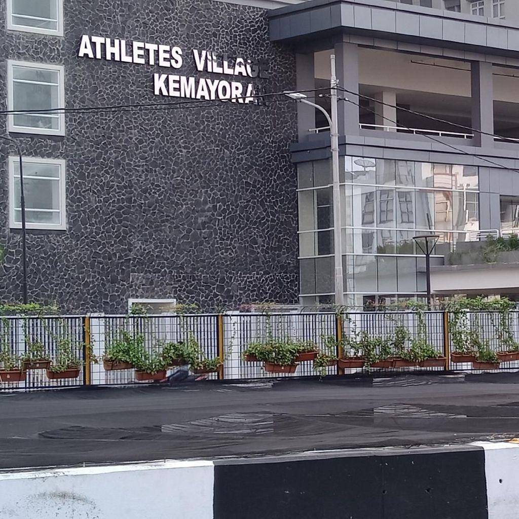 Demi Asian Games, Kali di Dekat Wisma Atlet Kemayoran Ditutup Waring