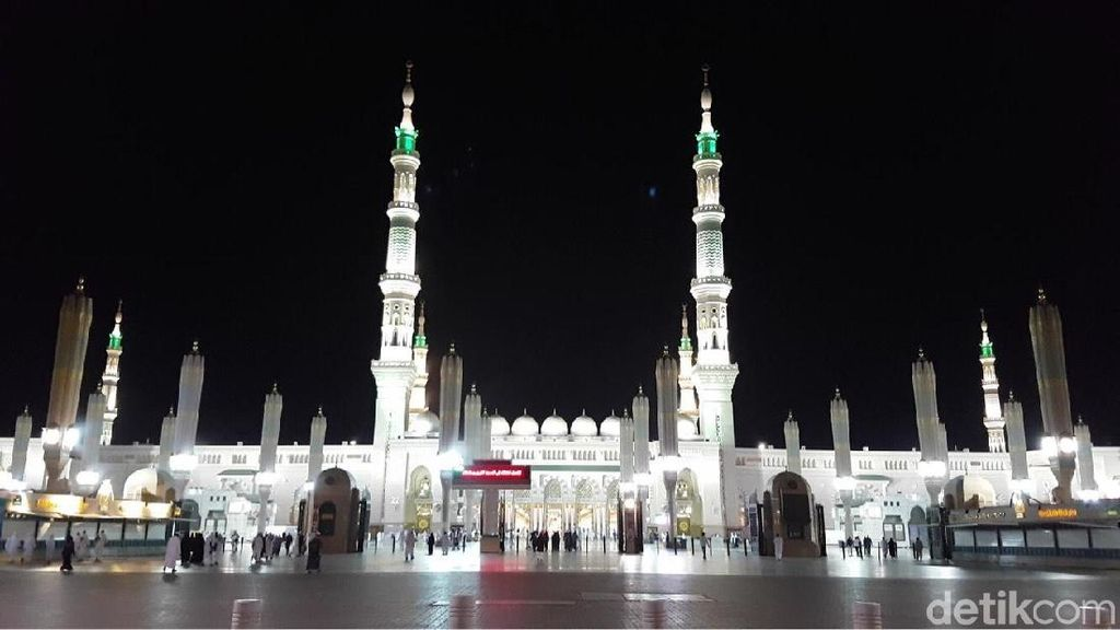 Jemaah Haji Indonesia Diminta Tak Berebut saat Ziarah ke Makam Nabi