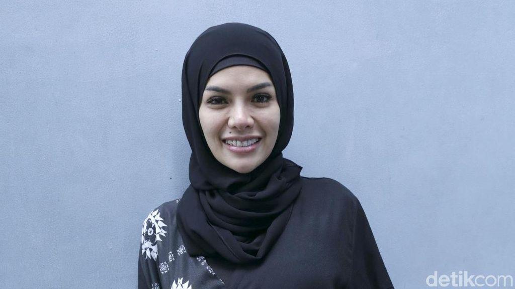 Cerita Hijrah Nikita Mirzani, Pernah Masuk Pesantren Hingga Penjara