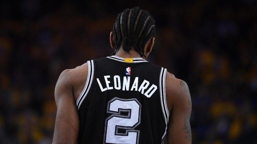 Kawhi Leonard ke Raptors, Spurs Dapat DeMar DeRozan