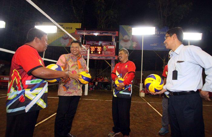 Ajang turnamen voli antar kampung ini digelar oleh Bank Mandiri Yogyakarta di Keceme, Sleman sejak Selasa (17/7) malam. Foto: dok. Mandiri