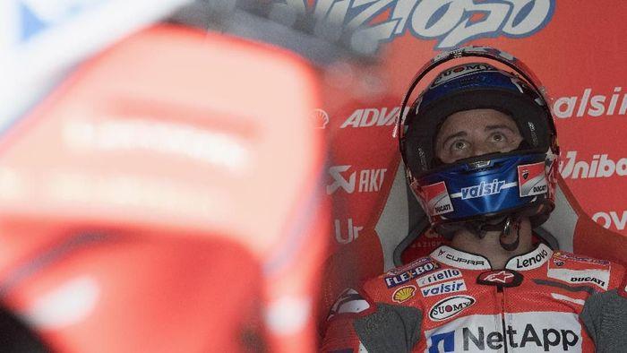 Andrea Dovizoso tertinggal dari para rivalnya. (Foto: Mirco Lazzari gp/Getty Images)