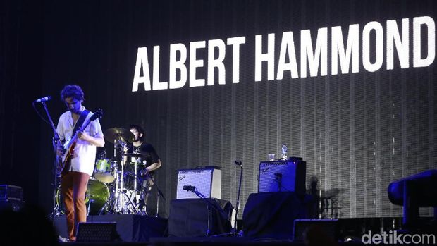 Ceria Bersama Albert Hammond Jr. di We The Fest 2018