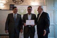 Teh Hitam Asal Cianjur Raih Penghargaan AVPA di Paris
