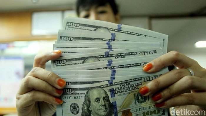 Perjalanan Dolar AS dari Rp 13.200 Jadi Rp 14.600 dalam 8 Bulan