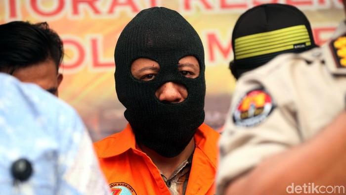 Polda Metro Jaya kembali berhasil gagalkan penyelundupan narkoba jaringan internasional. Tersangka adalah narapidanan yang masih ditahan di lapas.
