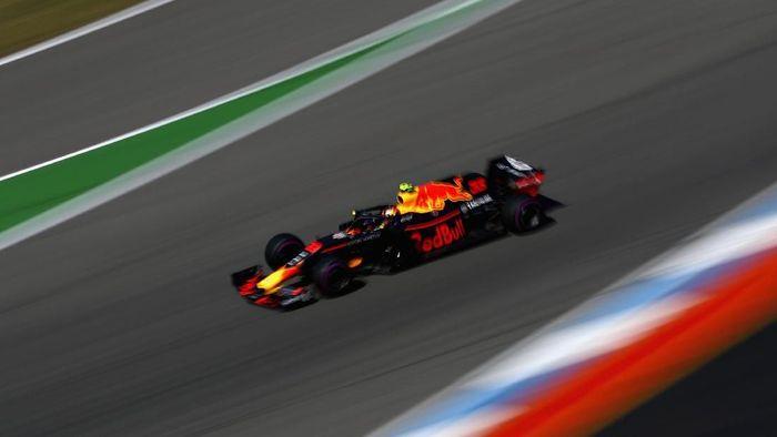 Max Verstappen jadi pebalap tercepat di sesi latihan bebas kedua GP Jerman (Foto: Mark Thompson/Getty Images)