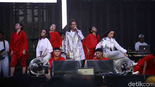 Aksi Merah Putih GAC Buka We The Fest 2018