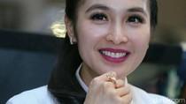 Suami Punya Pesawat Pribadi, Sandra Dewi Kok Nggak Pernah Foto?