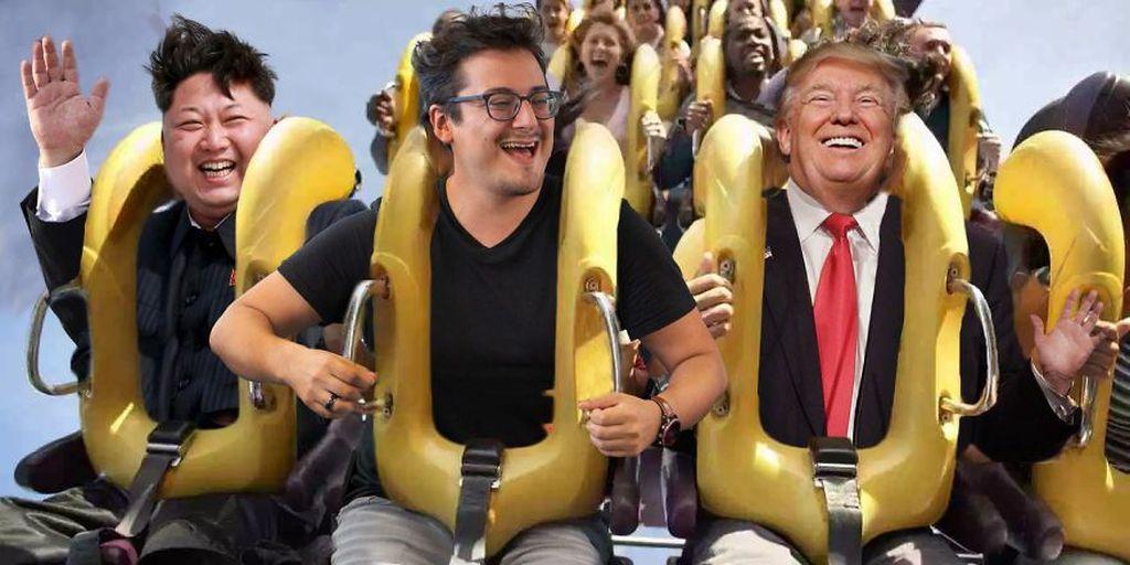 Pria bernama Jones ini mengedit fotonya sedang bermain roller coaster bersama Presiden Amerika Serikat Donald Trump dan Pemimpin Korea Utara Kim Jong Un. Istimewa/Boredpanda.