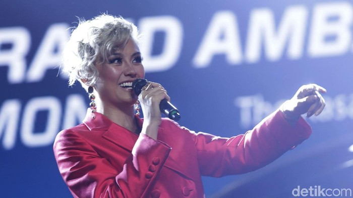 Balik ke Indonesia Agnez Mo keluarkan Single Terbaru!