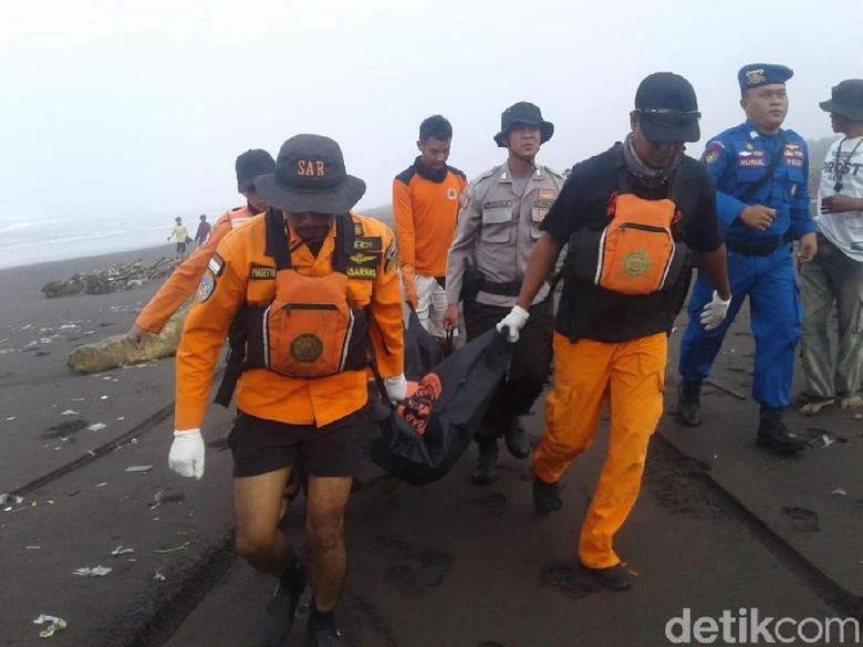 Satu Jenazah Ditemukan, Korban Kapal Tenggelam di Jember 7 Orang