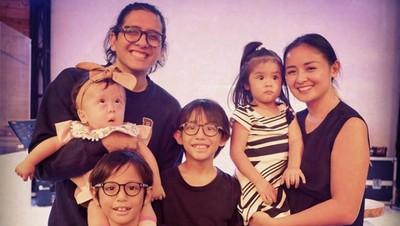 Serunya Punya Empat Anak, Joanna Alexandra Akui Kebobolan