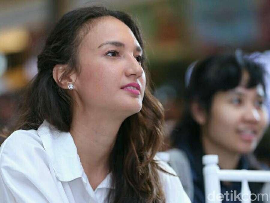 Cihuy! Nadine Chandrawinata Makin Cantik Usai Menikah