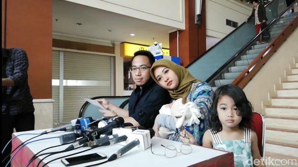 Cerita Anak Kedua Poppy Bunga Tak Bisa Minum ASI via Botol