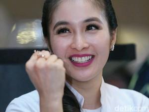 Sandra Dewi Enggan Komentari Perceraian Yeslin dengan Delon