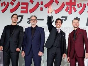 Ups! Tom Cruise Lupa Tutup Ritsleting Celana Saat Hadir di Premier Film