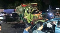 Ada Kecelakaan Truk Vs Taksi, Tol Slipi Macet