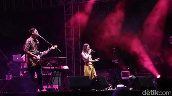 Berjingkrak Bersama Barasuara di We The Fest 2018