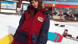 Dalam kesehariannya, Francesca Sofia Novello dikenal sebagai model papan atas Italia. Selain berparas cantik, ia juga punya body goals. Penasaran? Yuk intip!