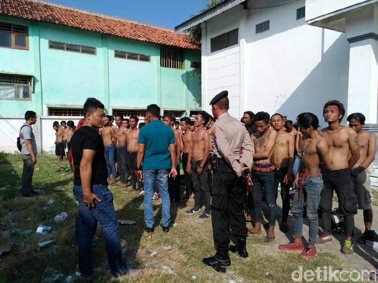 3 Truk Dilempari Batu Suporter Bola, Polisi Tetapkan 2 Tersangka