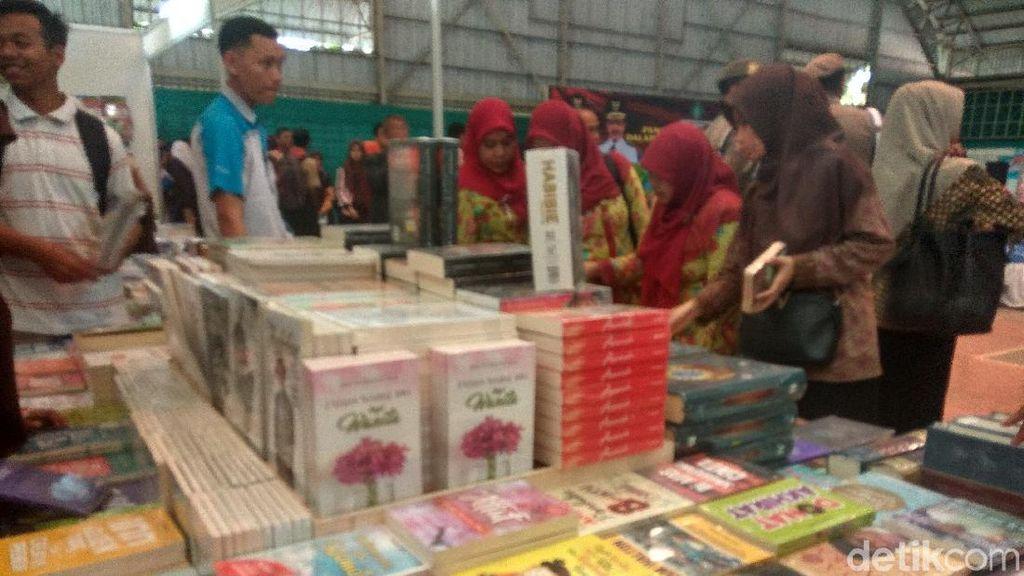 Pameran Buku Nasional di Sidoarjo Tanamkan Budaya Baca ke Anak