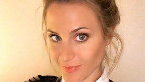 Berhenti Jadi Penata Rambut, Gadis Cantik Ini Banting Setir Jadi Pilot