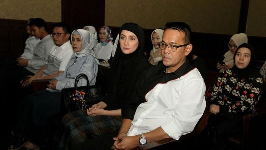 Inneke Koesherawati; Bintang Panas, Hijrah, hingga Diamankan KPK
