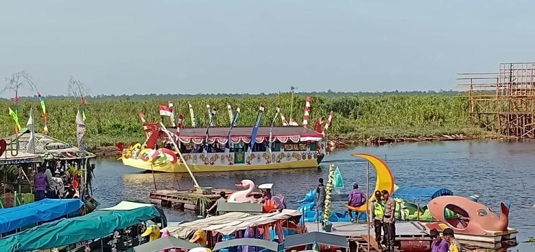 Pemprov Kalteng Gelar Boat Festival di Danau Berwarna Hitam