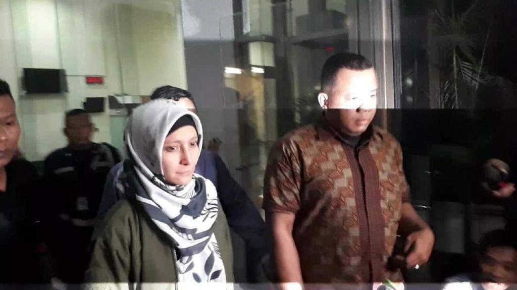 Inneke Koesherawati Diamankan KPK Tengah Malam