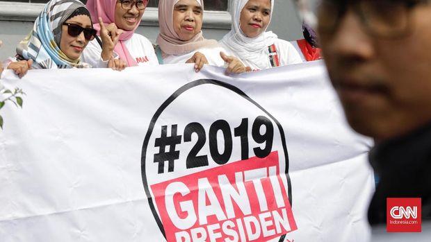 Komite Persatuan Nasional-Ganti Presiden 2019 (KPN-GP 2019) menggelar aksi, di depan Tugu Proklamasi, Jakarta, 21 Juli.