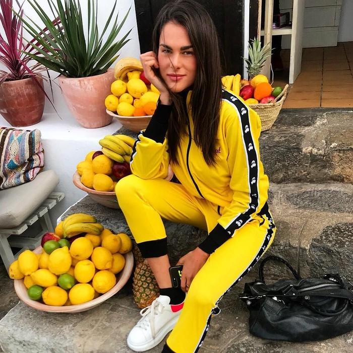 Wanita tersebut diketahui mulai dekat dengan rider Movistar Yamaha MotoGP itu sejak akhir tahun 2017. Dan di tahun ini hubungan mereka makin terendus oleh media. Foto: Instagram/francescasofianovello