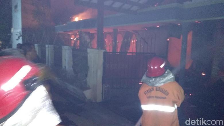 Rumah Pengusaha Kayu Terbakar, Sumber Api Masih Diselidiki
