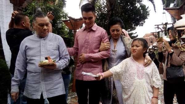 Senyum Semringah Baim Wong dan Paula Verhoeven Usai Lamaran di Semarang
