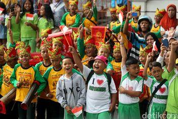 Anak-anak di Banyuwangi Antusias Sambut Obor Asian Games