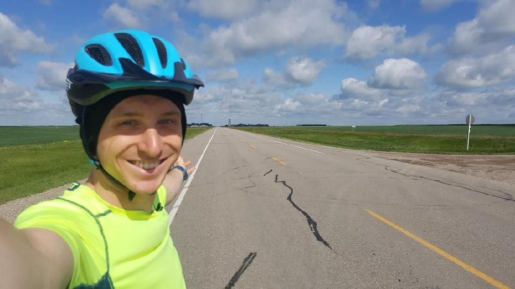 Ilmuwan Bersepeda 138 Kilometer Demi Buktikan Bumi Bulat