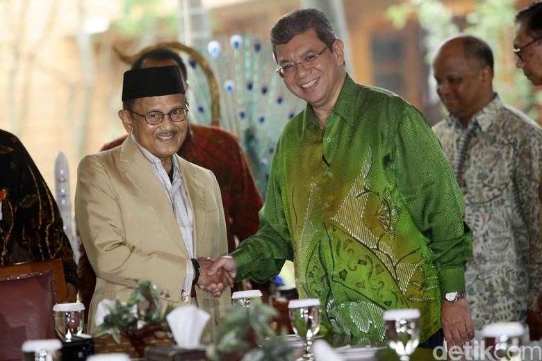 Menlu Malaysia Bertemu Habibie Bahas Proyek Pusat Peradaban Islam