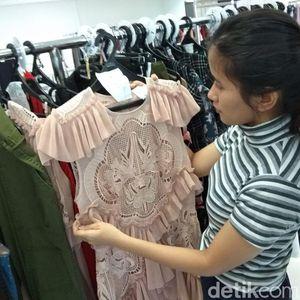Sewa Baju Mahal Buat Ngantor Hingga Kondangan, Berapa Biayanya?