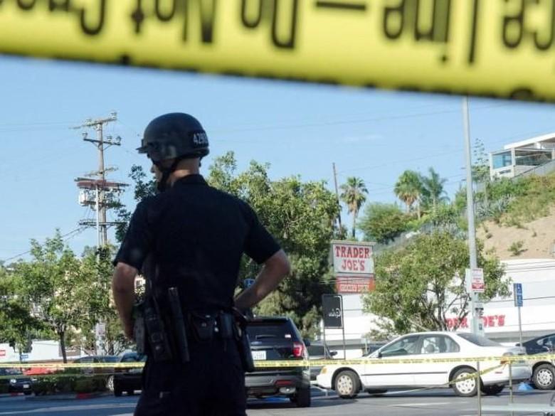 Penyanderaan Swalayan di Los Angeles, 1 Orang Tewas
