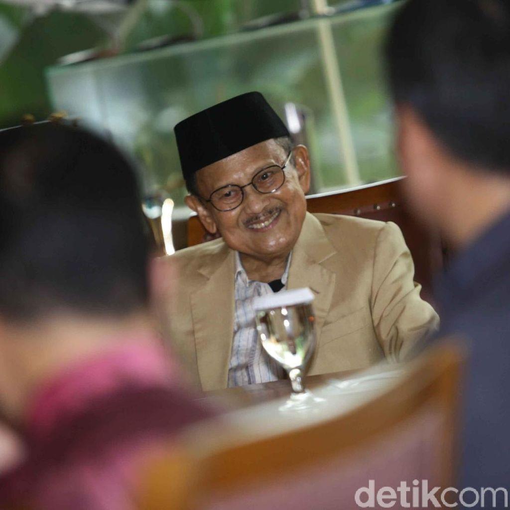 Habibie: Pilih Presiden yang Mampu dan Rekam Jejaknya Nyata