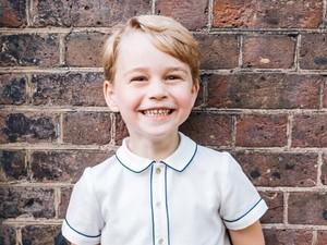 Pangeran George Dilabeli Pria Berbusana Terbaik di Inggris
