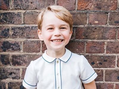 Senyum Ceria Pangeran George di Ulang Tahun ke-5