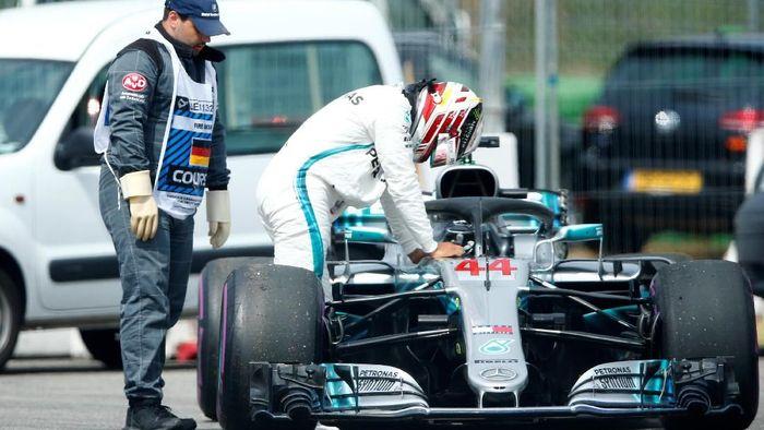 Leiws Hamilton gagal menuntaskan kualifikasi GP Jerman karena mobilnya bermasalah (Foto: Ralph Orlowski/Reuters)