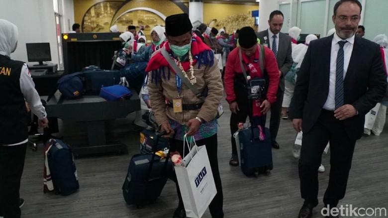 Koper Jemaah Haji RI Dibongkar Bea Cukai Arab Saudi