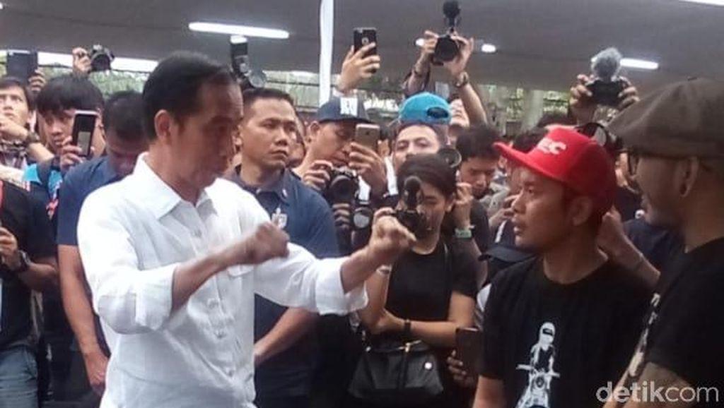 Jokowi Tengok Motor Modif Anaknya