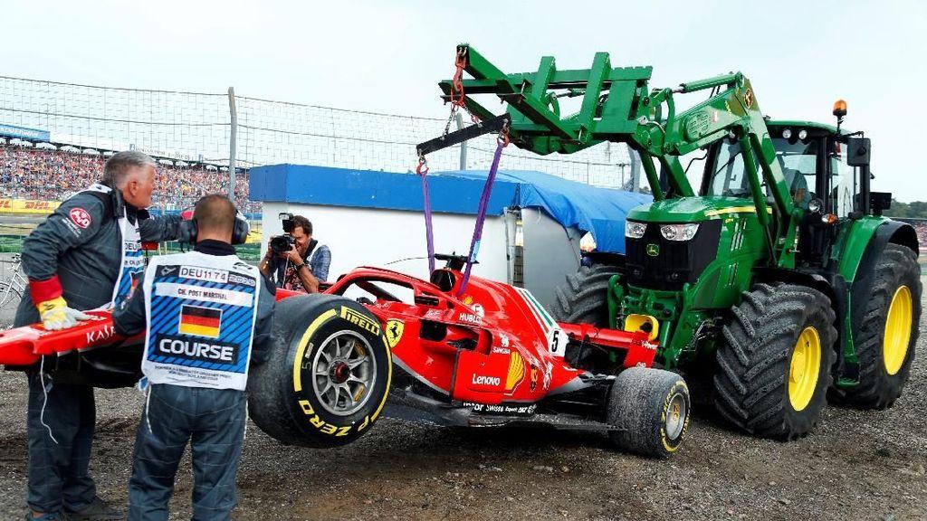 Video Vettel Nabrak Dinding yang Untungkan Hamilton