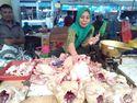 Harga Daging Ayam Tinggi, Pedagang di Kudus Kurangi Stok